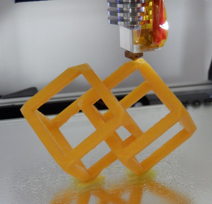 Cube_almost_finished_printed_PLA_E3D_190deg_65mm_sec_S.jpg