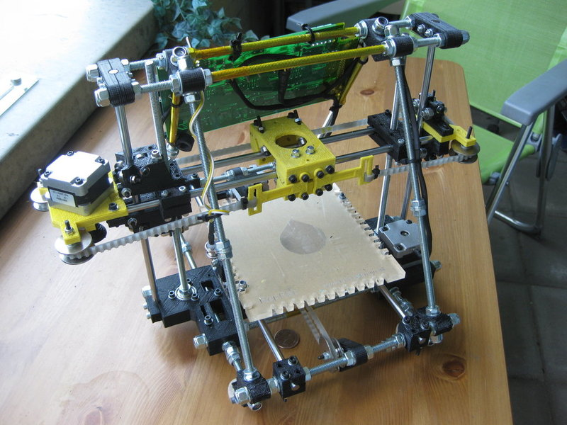 RepRap III Huxley: development of a small, self-replicable machine