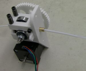Reprappro-huxley-extruder-drive-tube-fitted.jpg
