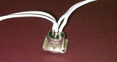 Reprappro-multi-materials-two-power-wires.jpg