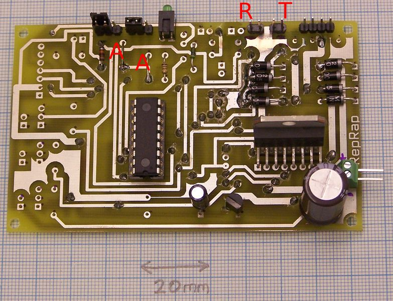 File:UniversalControllerBoard-universal-finished-rt-aa.jpg